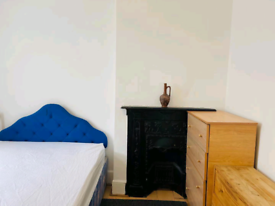 A double room in a house 3 minutes from Seven Sisters tube station
