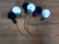 6 artificial black&white flowers.