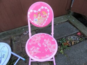 CHAIR FOR TODDLER - DISNEY PRINCESS - REDUCED!!!!