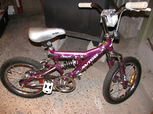 GIRL'S AVIGO GLIMMER BIKE--EXCELLENT CONDITION