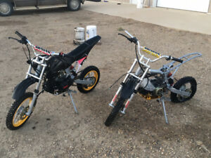 REDUCED - 125cc Gio Pit Bike with Parts Bike
