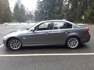 2010 BMW 335i All Wheel Drive, 6 speed manual!