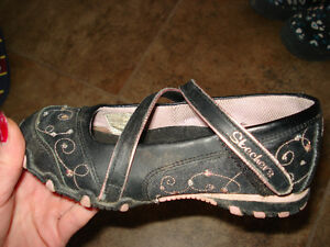 Skechers Shoes size 12 they are in excellent condition