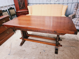 Stunning old charm extending dining table and six chairs
