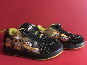 Despicable Me Minion Mania Toddler Size 8 Sneakers