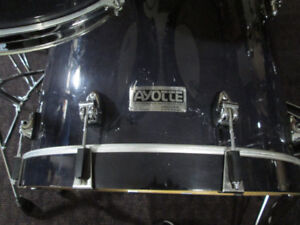 Ayotte,  Ray Days Maple,6pc.  Drum Kit.  22,16,14,12,10,8.
