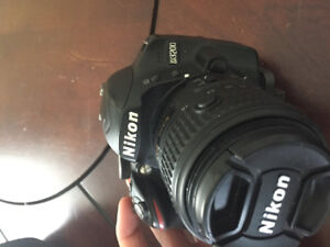Nikon D3200 ( battery charger included )