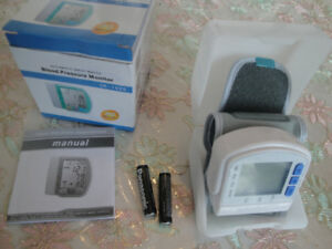 BLOOD PRESSURE MONITOR AT WRIST APPROVED BY WHO BRANDNEW $40 OBO