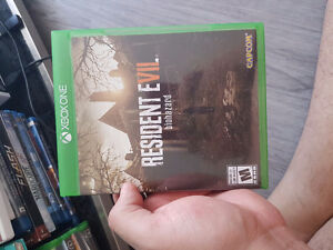 SELLING RESIDENT EVIL BIOHAZARD. BRAND NEW I DONT PLAY IT