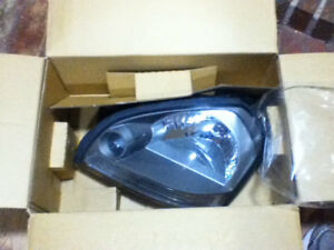 Hyundai 05-09 TUCSON Headlight Lamp Assembly LH Driver $60 OBO