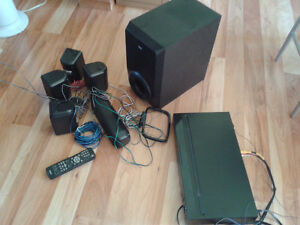 REDUCED RCA RTD615i DVD Home Theater System with Dock for iPod
