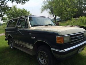 1989 Ford Bronco 4x4 - REDUCED