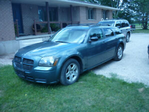 2005 DODGE MAGNUM-low low kilometers (NO RUST)