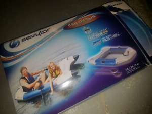 inftatable boat very good conditon kids adults
