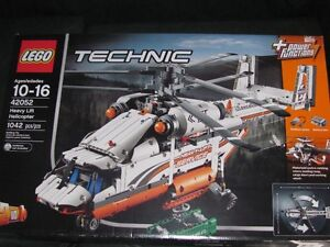 BRAND NEW IN THE BOX LEGO TECHNIC 42052