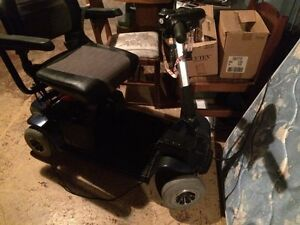 4 wheel mobility scooter by Revo