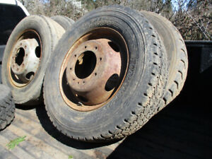 1999-2004 Ford F550 wheel and tires
