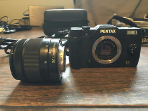 Pentax Q7 12.4MP Mirrorless Camera with 5-15mm Zoom - Mint