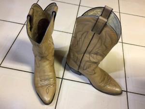 Size 9.5 cowboy boots