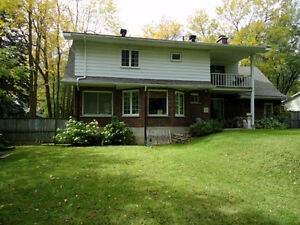 BEAUTIFUL HOUSE ON A BIG LOT IN DESIRED BEACONSFIELD SOUTH West Island Greater Montréal image 2