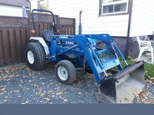 FORD 4WD TRACTOR
