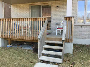 2 Bedroom WalkOut ( Basement ) on Ravine For Rent