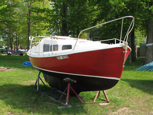 Halman 20 ft Sailboat