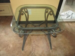 2 small sofa glass tables in great shape