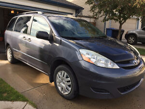 2006 Toyota Sienna CE | Clean | Local | Active