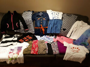 * GIRL'S CLOTHING LOT *