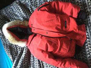 100% authentic Canada goose chilliwack bomber men Large RED $400