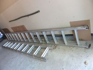 28 foot aluminum extension ladder, LIKE NEW!