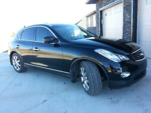 Infiniti EX35 SUV, AWD, Excellent Condition, LOW KM'S!!