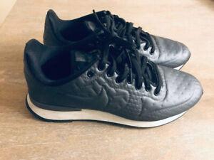 Chaussure sport ,, Nike ,, grandeur 7.5 US
