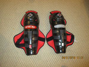 "CCM senior youth 13"" Shin pads in good used condition"