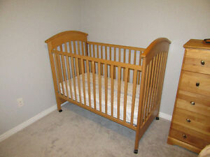 Wood Crib - 3 levels for mattress Kitchener / Waterloo Kitchener Area image 2