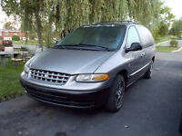 Plymouth Voyager Full equipement 1350$ Negociable