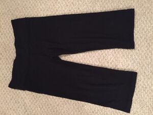 Great condition size 10 lululemon boogie crops