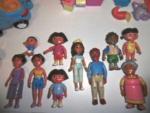 Dora & Diego Lot of 10 Figures Playsets & Talking Pool Accessory