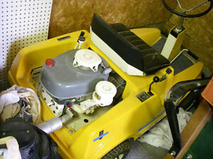 IH Cadet 60 riding mower restored Sarnia Sarnia Area image 2