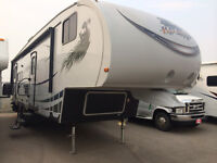 2012 SKYLINE KOALA 30SS WITH UNIT ONLY WEIGHS 6600LBS