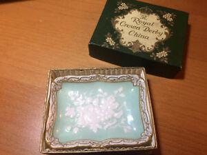 Royal Crown Derby PERSHORE trinket ring dish in box