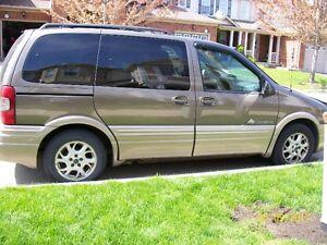 2003 Pontiac Montana Minivan,