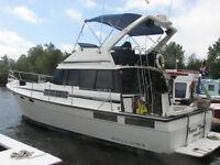 1991 38 foot Bayliner Motor Yacht twin diesel