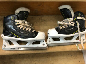 Like new Goalie skates CCM Tacks size 2.5