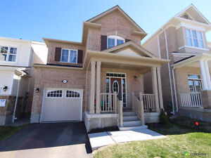 Spacious 3 bedroom Mattamy Home available for August 1st!!