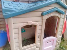 Kids Playhouse / Wendy House