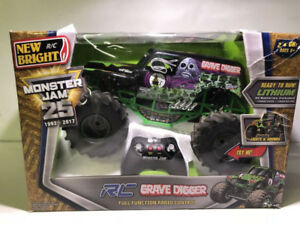 NEW BRIGHT MONSTER JAM GRAVE DIGGER REMOTE CONTROL CAR- mnx