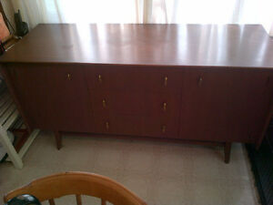 Teak Dinning Table, Chairs, Buffets, End Tables, etc. Kawartha Lakes Peterborough Area image 3