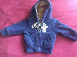 Baby Hoodie/chandail a capuchon (garcon) - Perfect Condition